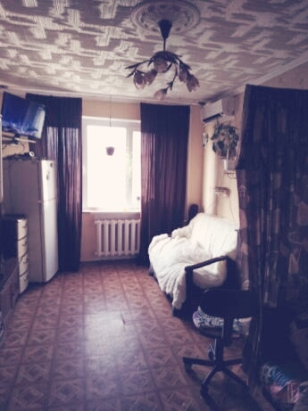 продажа трехкомнатной квартиры номер A-136842 в Суворовском районе, фото номер 3
